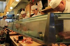 @Sushi Breakfast in Sushi Dai (Tokyo) after standing in line for hours