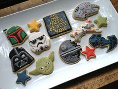 Star Wars Cookies (Cookie Cowgirl) - Star Wars Cookie - Ideas of Star Wars Cookie - Star Wars Cookies (Cookie Cowgirl) Fancy Cookies, Iced Cookies, Royal Icing Cookies, Sugar Cookies, Logo Cookies, Star Wars Torte, Star Wars Cake, Star Wars Gifts, Star Wars Cookies
