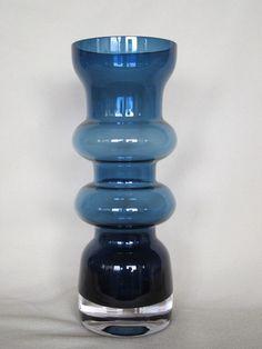 Finnish glass Riihmimaki-Tamara Aladin Clear Glass, Glass Art, Vases, Art File, Mid Century Modern Design, Glass House, Glass Design, Aladdin, Accent Decor