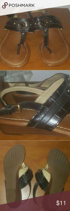 Tommy Hilfiger Sandals Like new Tommy Hilfiger logo leather man msde upper Tommy Hilfiger Shoes Sandals