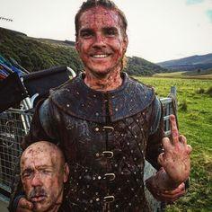 Working in the Vikings' crew must be fun ; Ragnar Lothbrok, Lagertha, Vikings Season 4, Vikings Time, Valhalla Viking, Viking Warrior, Vikings Tv Series, Vikings Tv Show, Bracelet Viking