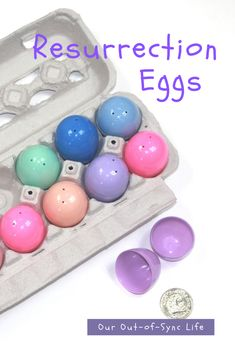 Easter can be a pretty confusing holiday for preschoolers. This is why I love Resurrection Eggs. Items (symbols or trinkets) are placed in eggs to tell the story of Jesus' last days on earth, His death, and His resurrection. The final egg is empty as the tomb was empty. To help you get started, FREE printables have been created for preschool and elementary-aged children. Take a look! Easter Activities, Activities To Do, Resurrection Eggs, Craft Fur, Preschool Bible, Easter Story, Easter Party, Praise God, Egg Hunt