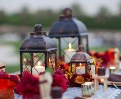breathtaking Fall Outdoor Wedding Ideas- such pretty table decor!