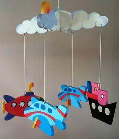 Movil Aire y Mar,  Movil cuna bebe,  Artesania en Madera, Diseño personalizable, Hecho a mano, Estímulo visual, Madera reciclada, Colorido de MalacaDecoracionKids en Etsy