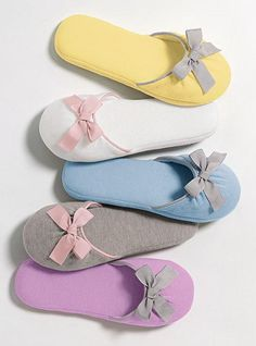 Winter Slippers for Women by Victoria Secret Shoes Slippers for Women by Victoria's Secret can make your feet lovely and beautiful.This collection is include Shoes, Sandals flannel slippers, .Women's Robes - Long and Short Robes - Victoria's Soft Slippers, Winter Slippers, Cute Slippers, Felted Slippers, Crochet Shoes, Crochet Slippers, Gifts For New Moms, Gifts For Women, Pijamas Women