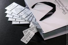 Разработка дизайна и высокая печать программы в 1 цвет, визитные карточки 85х55 в 1 цвет + скругление углов, производство и упаковка в подарочные пакеты из плотной бумаги с фирменной символикой. Детали печати можно разглядеть под лупой на фотографиях, миллиметровая шкала прилагается=)  #высокаяпечать #пригласительные #свадьба #конверты  #свадьба #letterpress #wedding #invitation #6hands #приглашение
