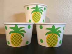 These cups are great addition for your pineapple inspired party. They are both useful and decorative. Each cup holds 8 oz. of liquid ( Hot or cold). These are great for soups, ice cream bar, yogurt bar, snacks, candy, or party favors. These are available in: 8 count 12 count 16 count 20 count 25 count 30 count 40 count 50 count Please check the amount button for pricing. I am available for custom orders. Please message me with any questions you may have.