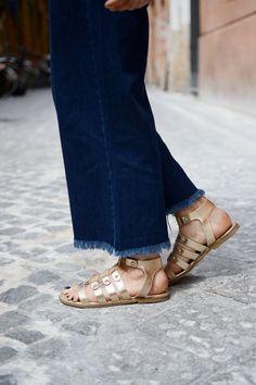 Italy travel outfit Zara denim culotte overalls frayed hem denim Vancouver blogger Dune London gold gladiator sandals
