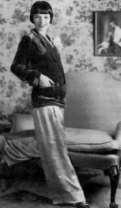 Louise Brooks - She who set fashion trends in the 20s.  Very like Miss Phryne Fisher I think.