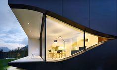 Designhaus mit Terrasse und Bergblick in Südtirol