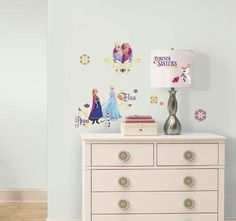 Naklejki dla dzieci - RoomMates - RMK2652SCS Kraina lodu - Wiosna