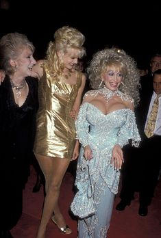 Dolly Parton With Olympia Dukakis and Daryl Hannah, 1989 Dolly Parton Music, Dolly Parton Costume, Dolly Parton Quotes, Olympia Dukakis, Dolly Parton Pictures, Tennessee, Musica Country, Daryl Hannah, It's All Happening