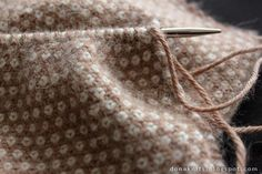 It's the Cerus scarf (free pattern) which uses linen st but this one has a difference ... See he blog post for details.