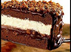 Gelado crocante com recheio de chocolate e sorvete de creme - Veja como fazer em: http://cybercook.com.br/receita-de-gelado-crocante-com-recheio-de-chocolate-e-sorvete-de-creme-r-7-107157.html?pinterest-rec
