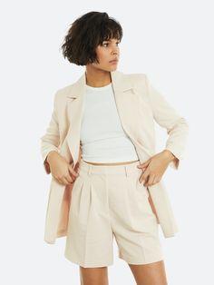 Offwhite Smock bermudashorts | Dame | Shorts på BikBok.com Smocking, Off White, Short Dresses, Beige, Women, Fashion, Short Gowns, Moda, Fashion Styles