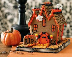How much fun to have a Spooky House Party, for the kiddos?