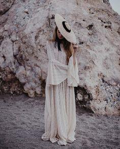 NOVIAS VINTAGE Boho Hippie Chic Alta costura made in BARCELONA Comunicacion@immacle.com