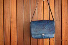 [受注生産] 藍染め革ショルダーバッグ Saddle Bags, Messenger Bag, Satchel, Crossbody Bag, Backpacking, School Tote