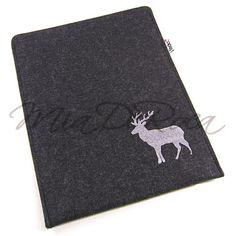 Felt iPad Sleeve with Stag Innozenz - MiaDeRoca Logan, Ipad 2 Cover, Shops, Ipad Sleeve, Felt, Purses, Rugs, Crafts, Decor