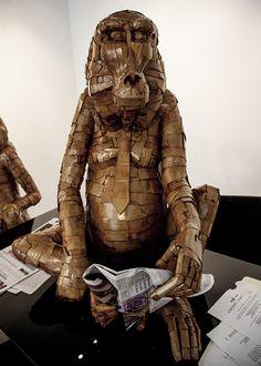 Metaphorical Cardboard Sculptures - Laurence Vallieres Turns Societal Issues into Cardboard Animals (GALLERY) Cardboard Sculpture, Paper Mache Sculpture, Cardboard Art, Sculpture Art, Wolf Base, Cardboard Animals, Parcs, Animal Sculptures, Mixed Media Art