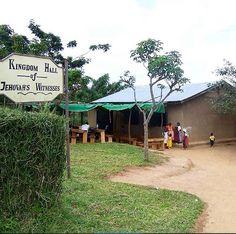 KH in refugee camp in Ugandee.