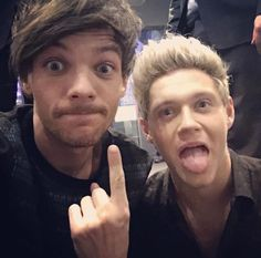 Oh hey this is the picture Louis posted where he said 'random selfie with Neil the other day.' And yeah he said Neil not Niall that's why I remember this...now in hearing Neil is Nialler's nickname???