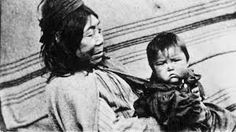Aboriginal woman and baby, Vancouver Island, British Columbia, 1912 Residential Schools Canada, Seafarer, Photo Essay, Vancouver Island, Back In The Day, British Columbia, Old Things, Woman, Baby