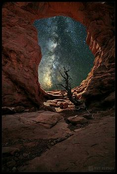 Milky Way, Arches National Park, photo by Jeff Berkes All Nature, Amazing Nature, Beautiful World, Beautiful Places, Parcs, Adventure Is Out There, Milky Way, Belle Photo, Night Skies