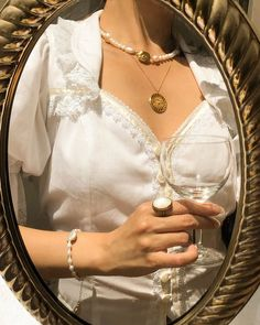 Friday mood: looking forward for my glass to be filled � . ——— Renaissance top is vintage All necklaces and bracelet Ring… golden necklake Classy Aesthetic, Beige Aesthetic, Aesthetic Vintage, Aesthetic Photo, Aesthetic Fashion, Aesthetic Pictures, Aesthetic Clothes, Photography Aesthetic, Aesthetic Grunge
