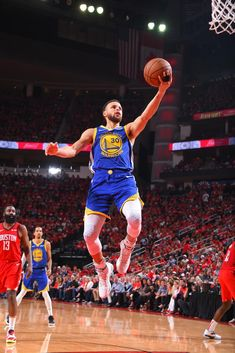 Golden State Warriors Pictures and Photos - Getty Images Golden State Warriors Basketball, Golden Warriors, Golden State Warriors Pictures, Stephen Curry Basketball, Nba Stephen Curry, Basketball Players, Stephen Curry Shooting, Wardell Stephen Curry, Basketball Pictures