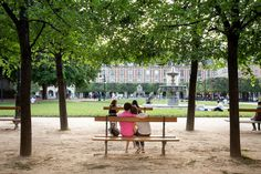 A $1,000 Day in Paris for $100 - NYTimes.com