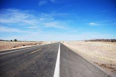 Carretera recta en California. Ruta 66. Costa Oeste de Estados Unidos.
