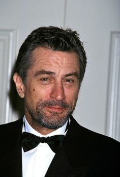 This was about the time when I first started to love Rober De Niro.  Robert De Niro at the Cinematographer's Awards, 1995.