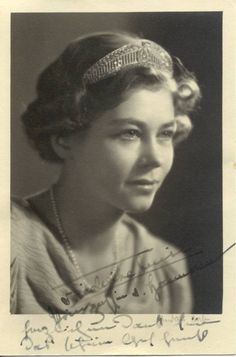 Victoria Louise daughter, Frederika, took the 'Hellenistic' tiara with her when she wed Prince Paul of Greece on 9 January 1938