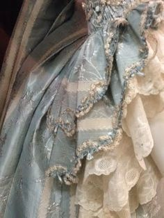 French blue ♔ Raindrops and Roses - Colors: Blue, Tan, Cream Cinderella Aesthetic, Princess Aesthetic, Marie Antoinette, New Blue, Blue And White, Blue Cream, Mode Pastel, Photowall Ideas, Raindrops And Roses