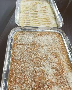 porkkanalaatikko lanttulaatikko maksalaatikko Finnish Recipes, Sheet Pan, Vanilla Cake, Food And Drink, Bread, Desserts, Finland, Springform Pan, Tailgate Desserts