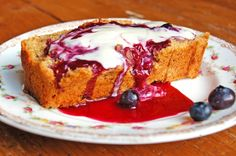 Banana Cake (served with blueberry sauce and vegan cream)