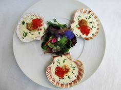 Vieiras sobre crema de hinojo y caviar ( vieiras em molho de funcho = erva doce, e caviar)