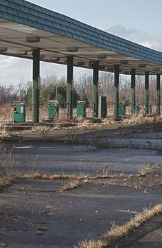 Abandoned Gas Station C YOUNG Photography ( or not so much character)