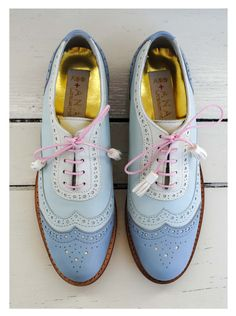 Noticing a similarity with the colourful oxfords?! #obsessed
