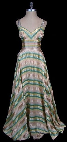 Dress 1934, Made of satin