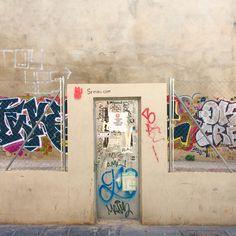 #Valencia - #Spain . srmiau.com  #art #arttoy #popart #arte #artepop #street #streetart #arteurbano #streetnews #streetartanarchy #figure #elcarmenvalencia #wall #urbanart #neko #maneki #luckycat #manekineko #cats #gatos #españa #elcarmen #sculpture #design #diseño #cool #photo #pic #originalart #originalart #original #decor #design #diseño #figure #cat #cats #gato #gatodelasuerte #gatos #fortunecat #cool #chic #top #beautiful #color #colorful
