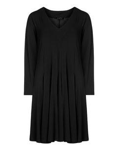 Long-sleeved godet dressdesigned by Twister. Largest assortment of stylish fashion