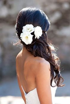 Half Up Half Down Wedding Hairstyles Ideas ❤️ See more: http://www.weddingforward.com/half-up-half-down-wedding-hairstyles-ideas/ #weddings