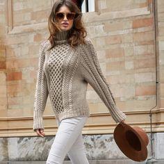 Вяжем свитер с косами спицами