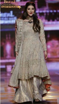 #WeddingSharara #AppilyEver #Sharara www.appilyever.com