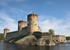 The castle was supposed to repel Russian attacks from the east and to guarantee the control of the Savo region for the Swedish Crown. Castle Wall, Castle House, Tower Castle, Beautiful Castles, Fortification, Queen, Monument Valley, American, Cathedral