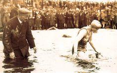 Mercedes Glaize traverse la manche à la nage 1929 première montre étanche rolex oyster http://lovetime.fr/2013/04/17/rolex-story-la-submariner-cette-legende/