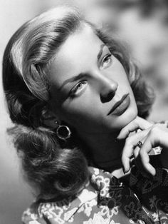 Portrait of Lauren Bacall by Eugene Robert Richee, Old Hollywood Glamour, Golden Age Of Hollywood, Vintage Hollywood, Hollywood Stars, Classic Hollywood, Hollywood Icons, Humphrey Bogart, Lauren Bacall, Classic Actresses