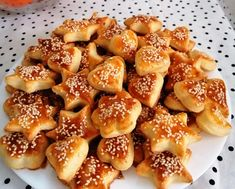 Biscuit Cookies, Pretzel Bites, Baking Recipes, Biscuits, Appetizers, Bread, Greek Recipes, Food, Recipes
